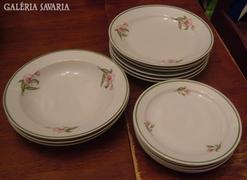 Zsolnay ritka virágmintás tányérkészlet