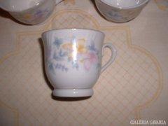 Kávés v. teáscsésze