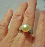 Csodaszép ezüstgyűrű gyöngy és markazit