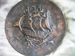 Hatalmas bronz relief