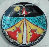 Iparművészeti nagy fali tányér - Menyecske