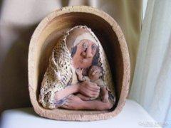 Vertel Andrea kerámia falidísz - Anya gyermekével