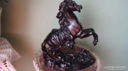 Öntöttvas ló szobor antik
