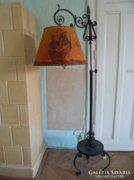 2 méteres kovácsoltvas állólámpa vitorlás ernyővel