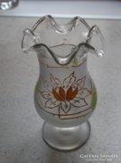 Fodros peremű üvegváza kézzel festett tavirózsákkal