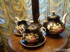 Teás szett fekete porcelán gyönyörű rózsákkal !