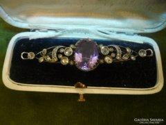 Ametisztes-gyémántos antik bross