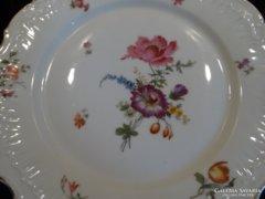 Antik, kézzel festett, nagy porcelán lapostányér, 4 db