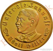 Aranyozott emlékérme Hitler portréjával