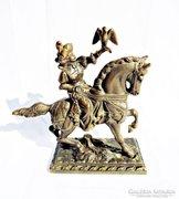 Vadász jelenetes bronz szobor