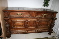 Antik barokk faragott kómód