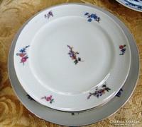 1 +3 db antik domború, virág mintás  süteményes tányérok