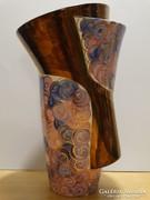 Képcsarnokos kerámia váza Benedek Olgától