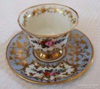 Mesés Sevres festett porcelán csésze alátéttel