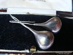 Csepp ezüst fülbevaló