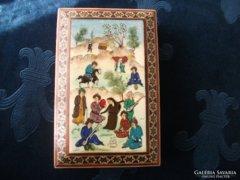 Szignós festménnyel-csontlapra-intarziás doboz-iráni-perzsa