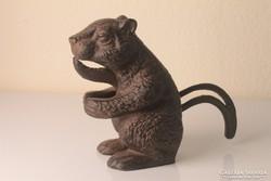 Diótörő mókus figura öntöttvas