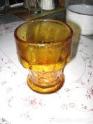 Borostyán üveg pohárkészlet (antik)