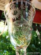 Egész felületén csiszolt antik talpas pohár