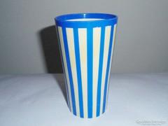 Retro csíkos műanyag pohár