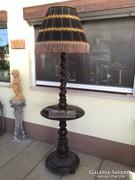 Antik bútor, Barokk álló lámpa.