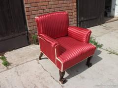 Antik oroszlánlábú kényelmes fotel eladó!