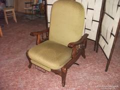 Fotel lábtartóval eladó!Beülést segítő fotel.