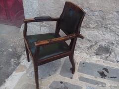 Patinas antik fodrasz szek a 20-as evekböl