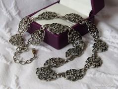 Meseszép, régi ezüst collier virágmotívumokkal /37,3 gr