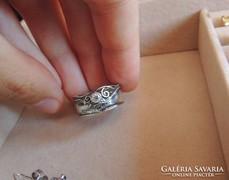 Shablool Didae izraeli ezüst, tekervényes cirkónia gyűrű
