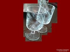 Szépen kidolgozott régi kristály poharak