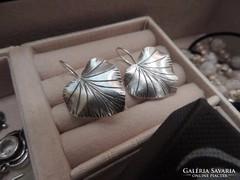 Nagy ezüst ginkó levél - izraeli kézműves ezüst fülbevaló