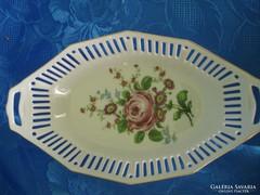 Rózsás áttört mintás porcelán asztalközép