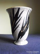 Gorka Lívia halas váza
