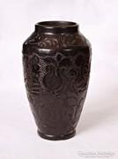 Gyönyörűen kidolgozott korondi váza (23 cm magas)