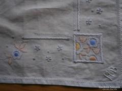 1201. Díszzsebkendő - keresztszemes
