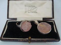 Modernista ezüst gyűrű és medál rózsakvarccal