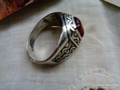 Karneol köves gyűrű! Szép!