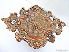Virágos bronz hamutartó