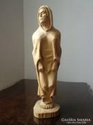 Dúskeblű asszonyság fa szobor
