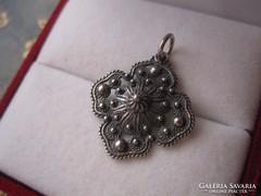 Szecessziós, antik ezüst filigrán  medál, 950-es, jelzett