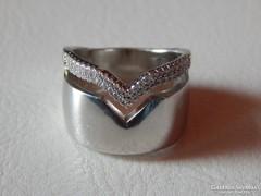 Széles, mutatós ezüst gyűrű