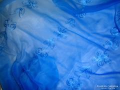 Vintage színátmenetes-hímzett  kendő 160 cm X 100  cm