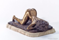 Erotikus szobor   ELSŐ NŐ   Alkotó  : Papp Zsuzsa