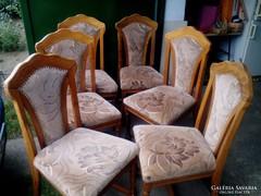 Tölgyfa asztal 6 db székkel eladó