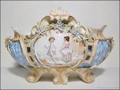 Mutatós porcelán asztalközép