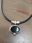 Onix köves ezüst medálos bőr szíjas nyaklánc