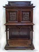 Faragott antik viktoriánus-reneszánsz kabinetszekrény