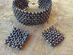 Hematit és ezüst színű gyöngy ékszer szett:karkötő,fülbevaló