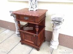Antik bútor, Ónémet éjjeli szekrény 02. felújított.